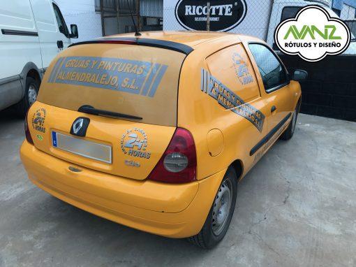 Rotulación parcial de vehículo – Grúas y Pinturas Almendralejo